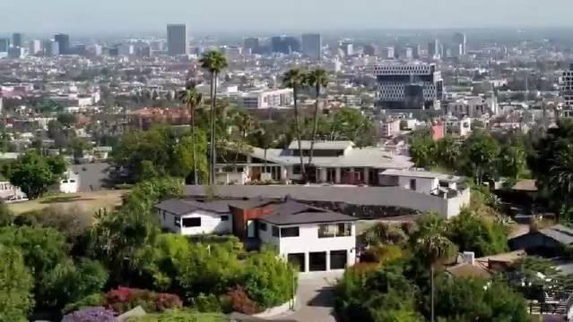 加州好莱坞山时尚现代住宅