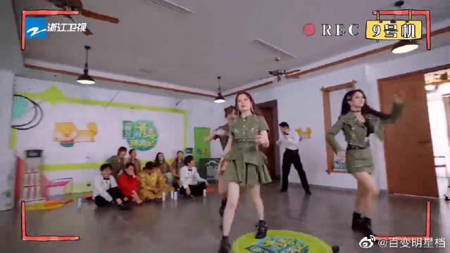 硬糖少女跳《最炫民族风》,被遛了一圈,结果连音乐都没有!