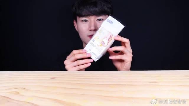 """韩国ASMR吃播:""""黑豆炸酱面+三明治蛋糕""""……"""