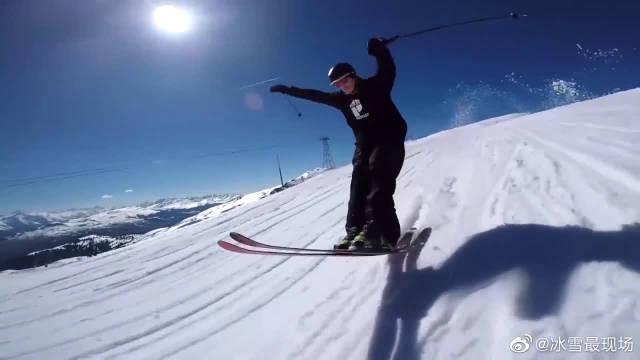 雪中空翻极美!双板自由式滑雪技术过分厉害了