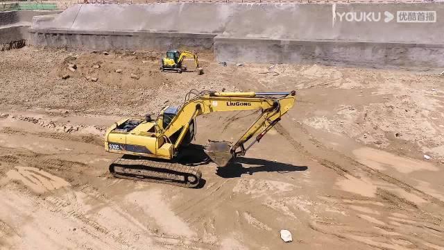 这应援作弊了!酷真的太酷了,挖掘机应援简直不要太拉风……