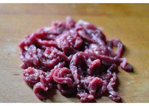 做炒牛肉,别只会用淀粉腌,学会大厨3个小技巧,牛肉嫩滑不柴