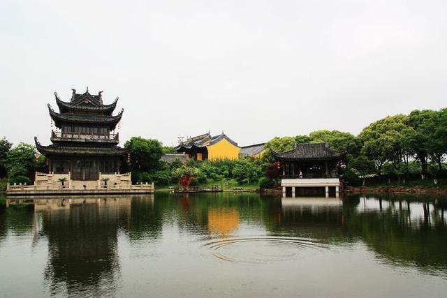 """江苏有座岛屿,人称苏州""""小蓬莱"""",却以""""听雨""""而闻名于世"""