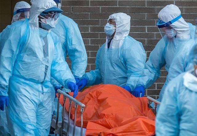 美国一老师出现新冠病毒症状,100多名学生被送回家
