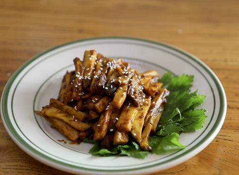 咖喱煮杏鲍菇解馋又低脂,仅仅需要5分钟,就能做出肉类的口感