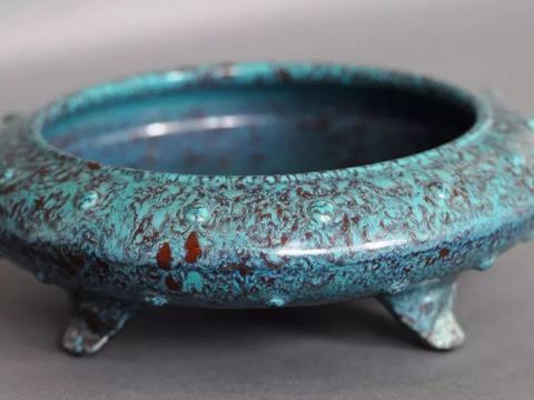 代炉钧釉瓷的烧造工艺特征与装饰艺术特色