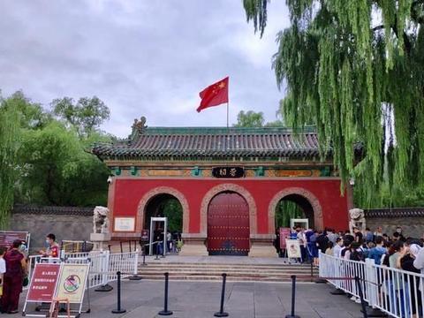 晋祠博物馆四尊铁人,有上千年历史,据说摸摸铁人又招财又消灾