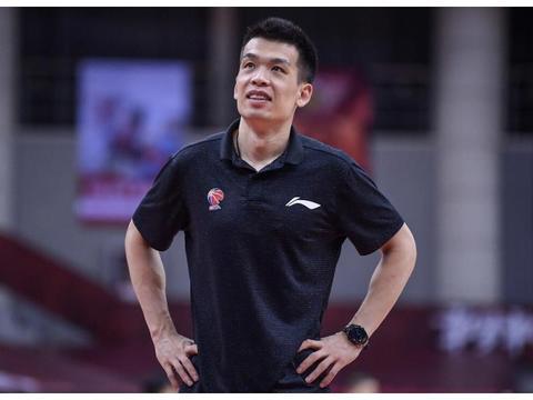 北京男篮速递:秦晓雯称赞球队,解立彬直言不足,林书豪正式表态