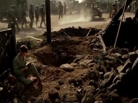 长官向戴斯蒙德道歉,大兵们再登钢锯岭