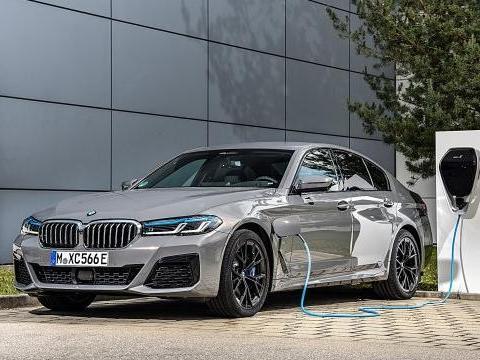 BMW 5系列追加插电式油电複合动力新车型 545e xDrive