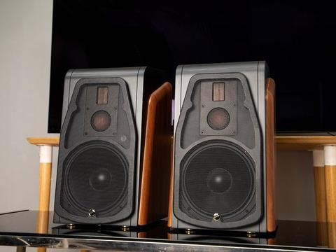 出众三分频 惠威M500有源Hi-Fi客厅音箱评测