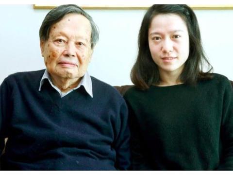"""82岁杨振宁娶了28岁翁帆!这对54年的""""爷孙恋"""",16年后如何了?"""