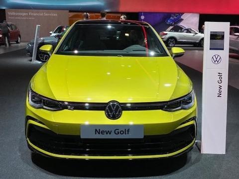 全新大众高尔夫海外实车,硬朗时尚的风格风采依旧