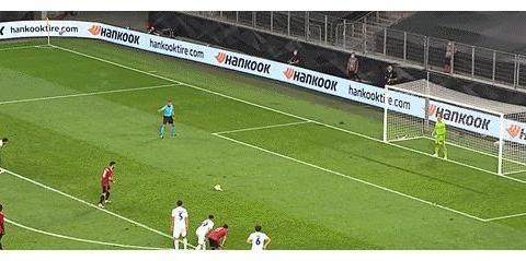 曼联1-0后官博惨被爆破:点球联只会骗点球!下一场被吊打