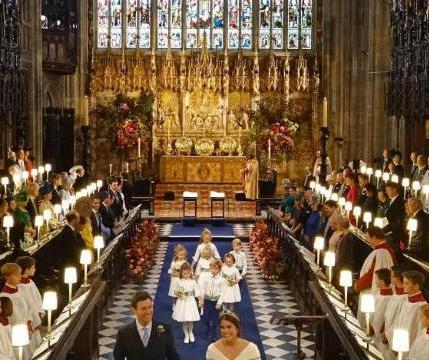 梅根于尤金妮婚礼日宣布有喜置丈夫于尴尬之地;哈里觉他们被抛弃