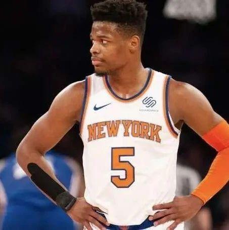 纽约时报:丹尼斯-史密斯需向上走,否则很快会出现在CBA联赛