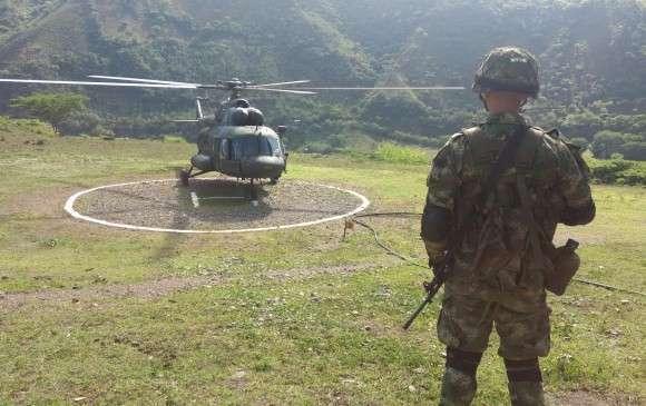 哥伦比亚空军一架米格-17直升机遇袭 飞行员重伤身亡