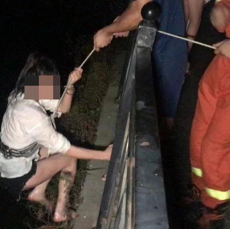 与家人争吵后,泉州一女子斗气跳湖……