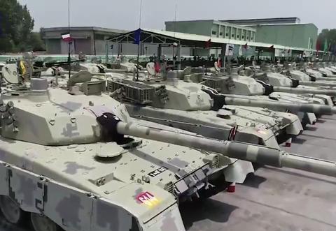 巴铁接收新款哈立德坦克,没挂反应装甲不用慌,依旧吊打T-90S