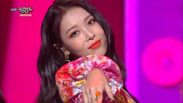 超飒的韩国小姐姐……