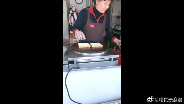 韩国大妈做的铁板三明治,我怎么害怕他们要申遗了!