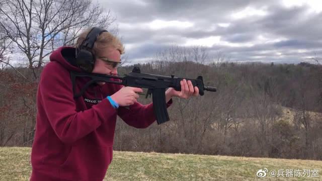 多种、冲锋枪户外射击实测,弹药应该不花钱,一点不心疼!