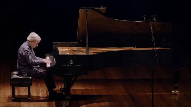 Nelson Freire演奏莫扎特钢琴奏鸣曲K331