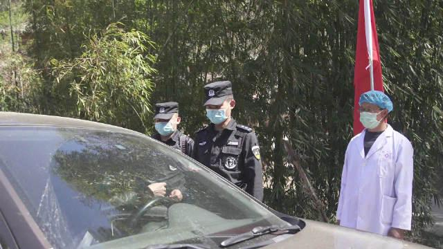 """战""""疫""""前线的""""钢铁军"""":大姚县公安局特警大队"""