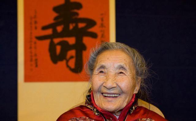 这些不起眼小习惯,影响寿命,百岁老人6个长寿秘诀,你也能做到