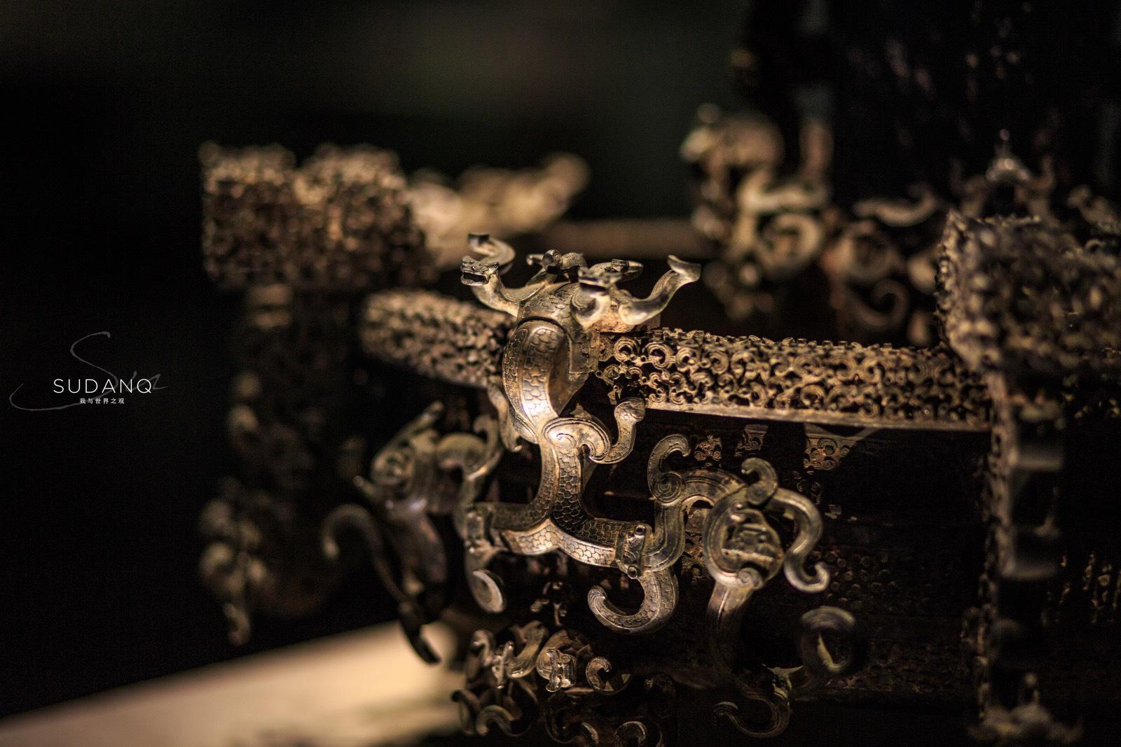 之湖北省博物馆:曾侯乙尊盘 其物纹饰繁缛,穷极富丽……