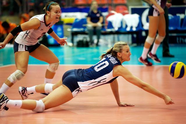 巴西女排传奇巨星,对中国队嚣张挑衅竖中指,誓要夺冠东京奥运会