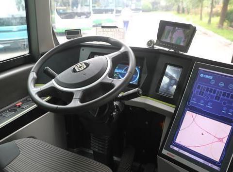 """来了!""""5G智能自动驾驶""""公交车青岛试跑"""