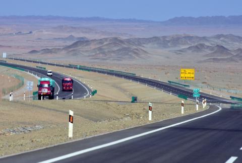 """国内最""""寂寞""""高速公路,横跨六省,旅游旺季却从不塞车"""