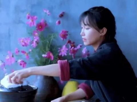 """李子柒自制""""水果雪糕"""",看清她用的水果后,网友:全是摆拍的!"""