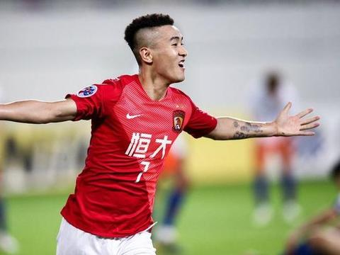 中国足球的榜样!官方:汉诺威免签26岁日本右后卫室屋成