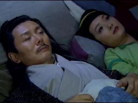 夫妻两入住黑客栈,不料睡觉时掉下一个铁笼子,把他们关了起来