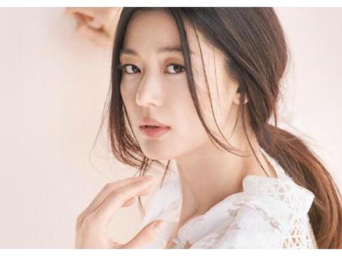 """当初迷恋张国荣,将自己追成国际巨星,堪称张国荣最""""牛""""女粉丝"""