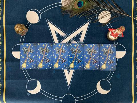 星巫塔罗:摩羯座2020-八月运势占卜,被反对的恋爱,喘不过气