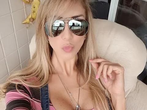 巴西女排的混血女神,碾压女星的顶级身材,频繁换男友也能成瘾