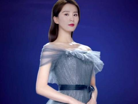 刘诗诗赚奶粉钱太卖力!新代言穿蓝色亮片纱裙秀天鹅颈,美成仙女