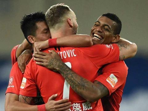 为什么没有锋霸胡尔克的比赛,上海上港能够大胜对手?