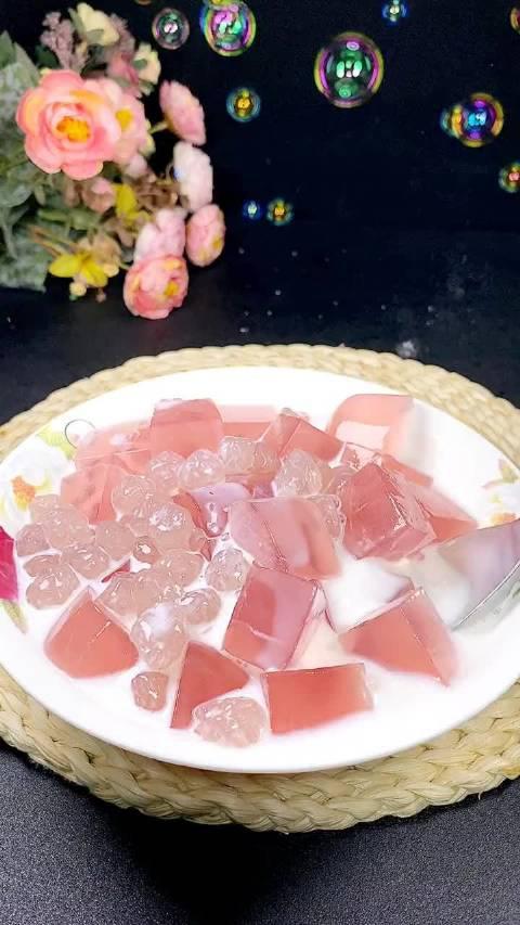 蜜桃珍珠冰粉,吃完冰冰凉