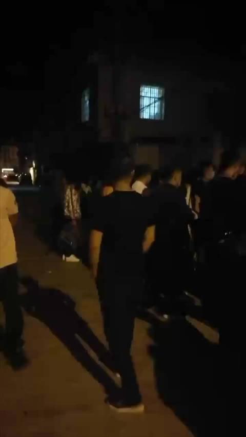 昆明 幼儿园招生175人引数百家长排队,凌晨4点去的报不上名