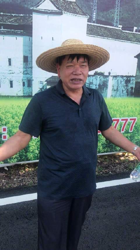 """72岁的老人""""阿天哥""""给我讲诉了林寨古村落的历史故事"""