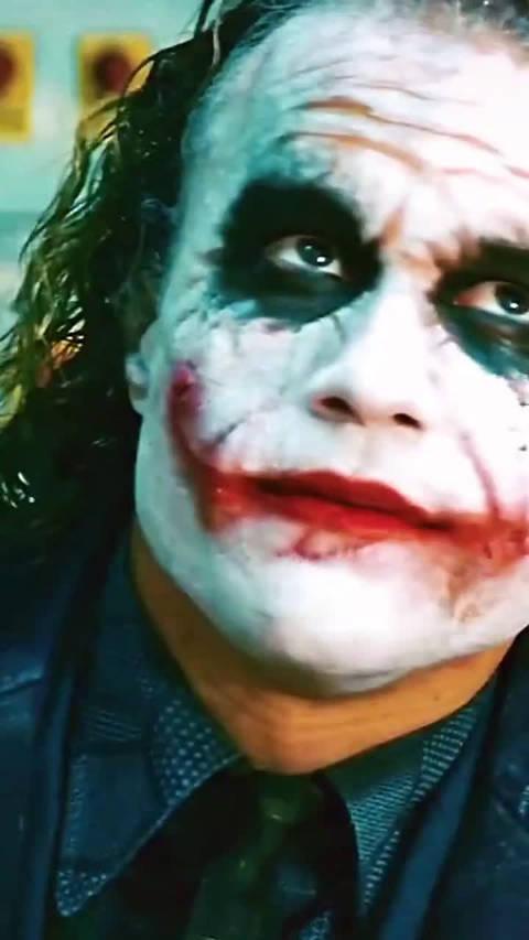 希斯莱杰的小丑,绝对是DC的经典,不愧是蝙蝠侠的噩梦!