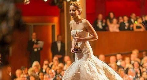 第一个嫁入皇室的好莱坞女星!原以为豪门生活幸福,却成多人相扑