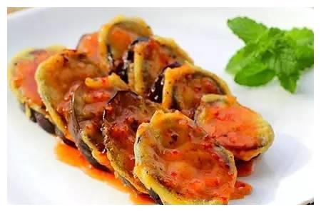 精选美食:干煸鱿鱼须,琥珀牛肉,香煎茄盒,炸土豆脆条的做法