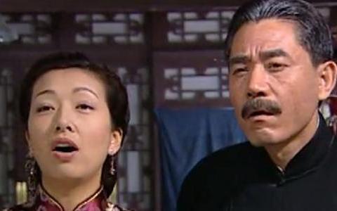 大宅门:七爷得知李香秀终身不孕时,谁注意白佳莉恶心的眼神了?