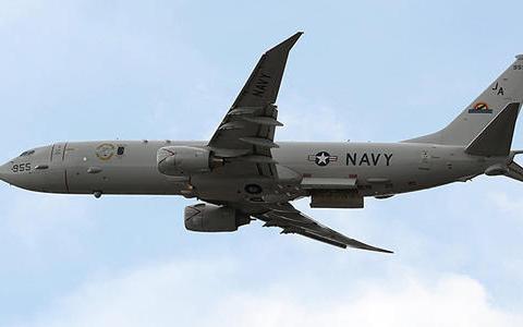 美军机挑衅升级 S-400防空导弹果断锁定 苏-35战机迎头拦截