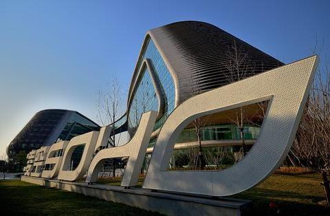 SOHO中国私有化终止 潘石屹的下一个买家是谁?